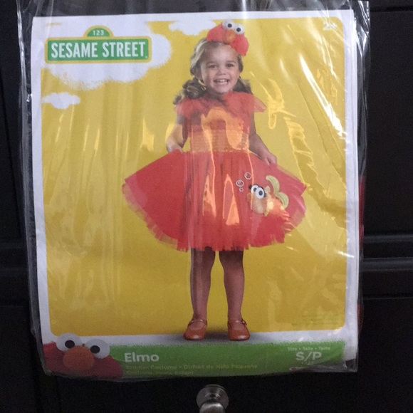Never Worn Elmo 2T Costume  sc 1 st  Poshmark & Sesame Street Costumes | Never Worn Elmo 2t Costume | Poshmark